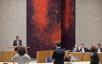 Nederland. Den Haag, 26 maart 2009.<br /> Vicepremier Wouter Bos, premier Jan Peter Balkenende, vicepremier Andre Rouvoet en minister van Sociale Zaken en Werkgelegenheid Piet Hein Donner in debat met de Tweede Kamer over de aanpak van de financiele crisis. Halsema (GroenLinks), Rutte (VVD) en kant (SP) luisteren naar CDA fractievoorzitter Piter van Geel.<br /> Foto Martijn Beekman<br /> NIET VOOR PUBLIKATIE IN LANDELIJKE DAGBLADEN.