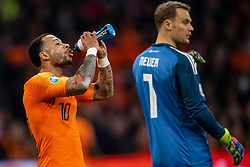 24-03-2019 NED: UEFA Euro 2020 qualification Netherlands - Germany, Amsterdam<br /> Netherlands lost the match 3-2 in the last minute / Memphis Depay #10 of The Netherlands, goalkeeper Manuel Neuer #1 of Germany
