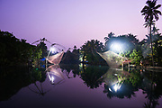 Traditionele Chinese vissersnetten, Kerala provincie, Zuid India.