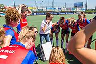 Den Bosch - Den Bosch - SCHC  Dames, Halve Finale  Playoffs, Tweede wedstrijd, Hoofdklasse Hockey Dames, Seizoen 2017-2018, 05-05-2018, Den Bosch - SCHC 4-2,  coach Tina Bachmann (SCHC)<br /> <br /> (c) Willem Vernes Fotografie
