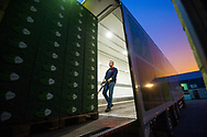 Foto: Gerrit de Heus. Op pad met vrachtwagenchauffeur t.b.v. video en fotografie over Code 95
