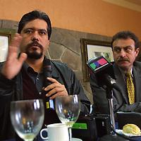 Metepec, M&eacute;x.- Francisco Gracia Burgos, presidente estatal del PAN y Xavier Maawad, candidato del Pan a Diputado por el distrito 1 anunciaron en conferencia de prensa el registro ante el Instituto Electoral del Estado de Mexico (IEEM) el registro de 45 candidatos a diputados locales por mayoria relativa. Agencia MVT / Mario Vazquez de la Torre. (DIGITAL)<br /> <br /> NO ARCHIVAR - NO ARCHIVE
