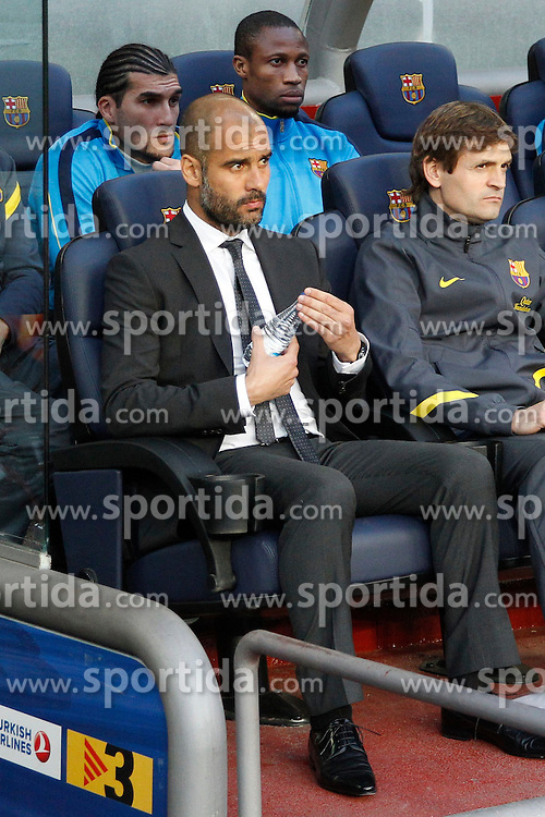 21.04.2012, Stadion Camp Nou, Barcelona, ESP, Primera Division, FC Barcelona vs Real Madrid, 35. Spieltag, im Bild Barcelona's Josep Guardiola // during the football match of spanish 'primera divison' league, 35th round, between FC Barcelona and Real Madrid at Camp Nou stadium, Barcelona, Spain on 2012/04/21. EXPA Pictures © 2012, PhotoCredit: EXPA/ Alterphotos/ Cesar Cebolla..***** ATTENTION - OUT OF ESP and SUI *****