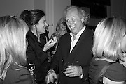 ELIZABETH SALTZMAN  AND GRAYDON CARTER, Vanity Fair Portraits: Photographs 1913-2008. Hosted by Burberry and Vanity Fair. National Portrait Gallery. London. 9 February 2008.  *** Local Caption *** -DO NOT ARCHIVE-© Copyright Photograph by Dafydd Jones. 248 Clapham Rd. London SW9 0PZ. Tel 0207 820 0771. www.dafjones.com.