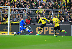 "15.02.2014, Signal Iduna Park, Dortmund, GER, 1. FBL, Borussia Dortmund vs Eintracht Frankfurt, 21. Runde, im Bild Henrikh ""Micki"" Mkhihtaryan (Borussia Dortmund #10) mit der Torchance zum 1:0 gegen Torwart Kevin Trapp (Eintracht Frankfurt #1), Aktion, Action // during the German Bundesliga 21th round match between Borussia Dortmund and Eintracht Frankfurt at the Signal Iduna Park in Dortmund, Germany on 2014/02/15. EXPA Pictures © 2014, PhotoCredit: EXPA/ Eibner-Pressefoto/ Schueler<br /> <br /> *****ATTENTION - OUT of GER*****"