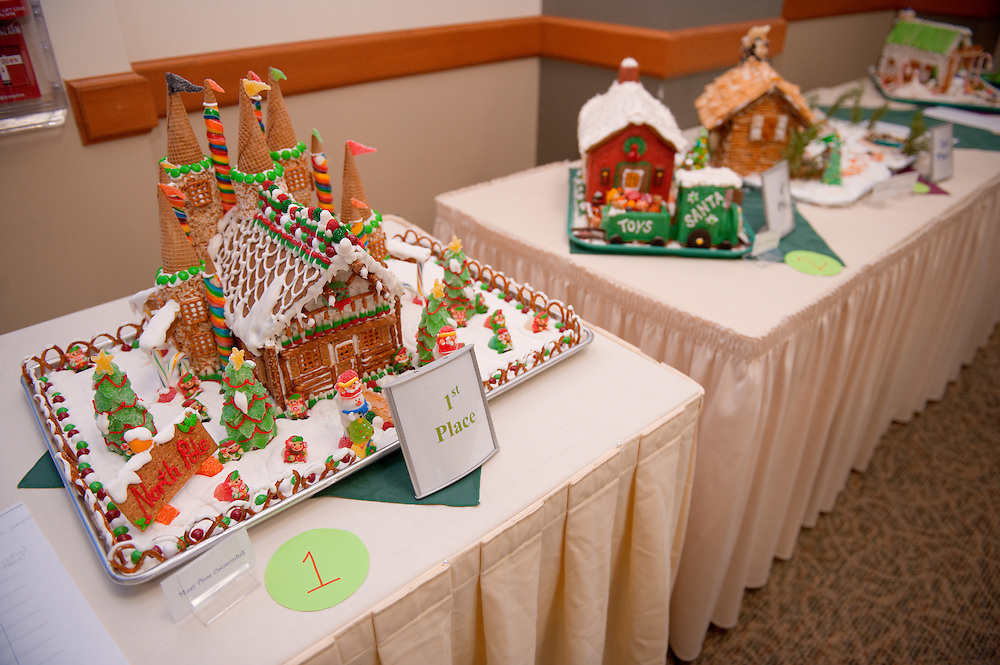 19149West 82's Gingerbread decorating contest on: Judging 12/9/08....Ist Place : Printing resources