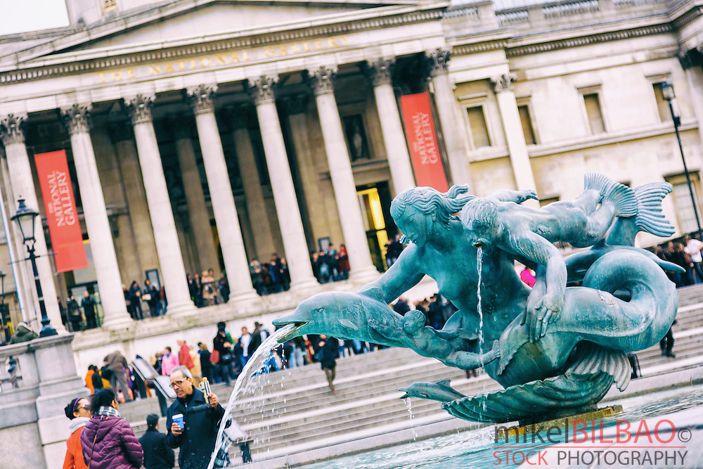 Fountain and National Gallery museum. Trafalgar Square. Londres, Inglaterra, Reino Unido.