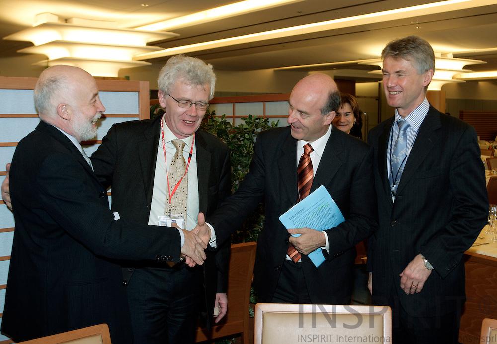 BRUSSELS - BELGIUM - 29 NOVEMBER 2006 -- From left Hubert KRIEGER, EUROFOUND research manager, Willy BUSCHAK, Deputy Director for EUROFOUND, MEP Sepp KUSSTATSCHER and Jorma KARPPINEN, Director for EUROFOUND at the EuropeanFoundation WorkingLunchfor MEPs on Geographical and labour market mobility in Europe.     PHOTO: ERIK LUNTANG / INSPIRIT Photo