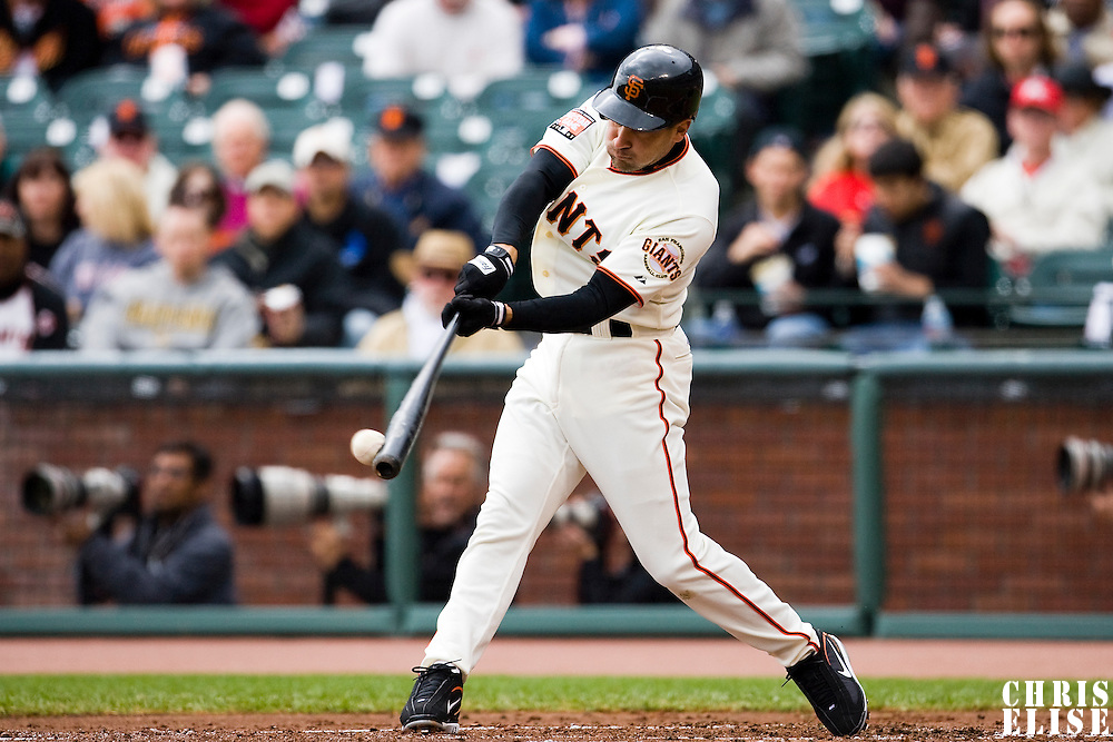 19 April 2007: Giants' Omar Vizquel connects for a hit during the San Francisco Giants 6-2 victory over the St. Louis Cardinals at the AT&T stadium in San Francisco, CA.