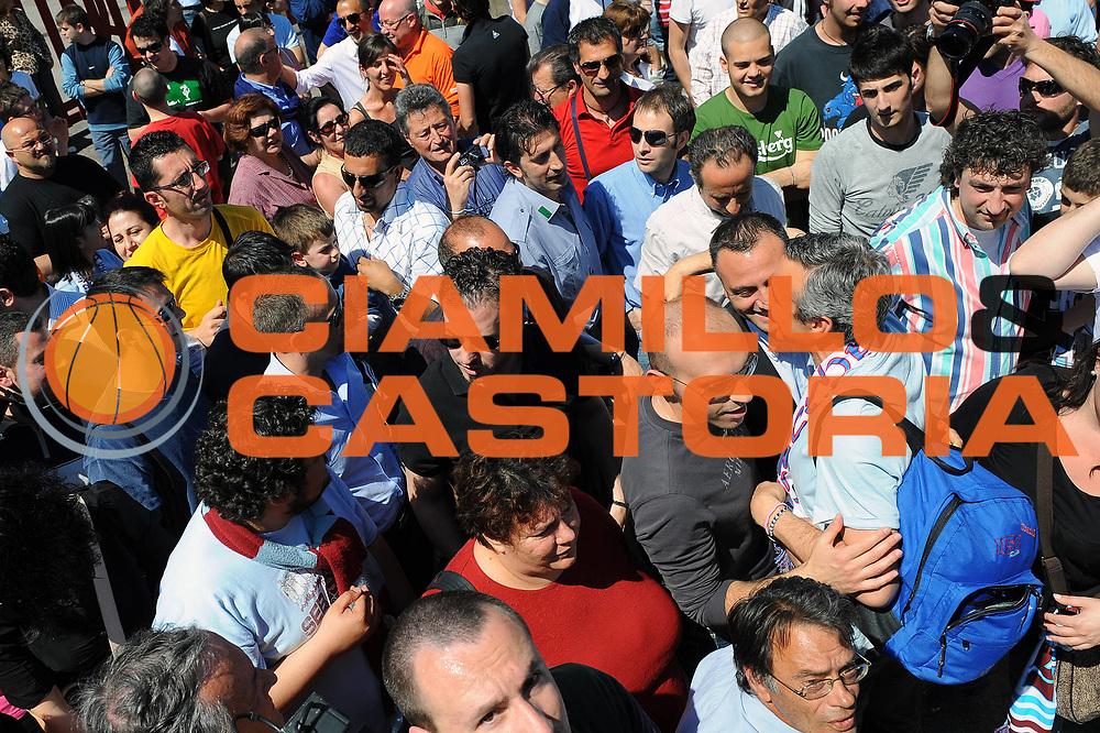 DESCRIZIONE : Udine Lega A 2008-09 Snaidero Udine Solsonica Rieti <br /> GIOCATORE : Lino Lardo<br /> SQUADRA : Solsonica Rieti <br /> EVENTO : Campionato Lega A 2008-2009 <br /> GARA : Snaidero Udine Solsonica Rieti <br /> DATA : 10/05/2009 <br /> CATEGORIA : Esultanza <br /> SPORT : Pallacanestro <br /> AUTORE : Agenzia Ciamillo-Castoria/E.Grillotti