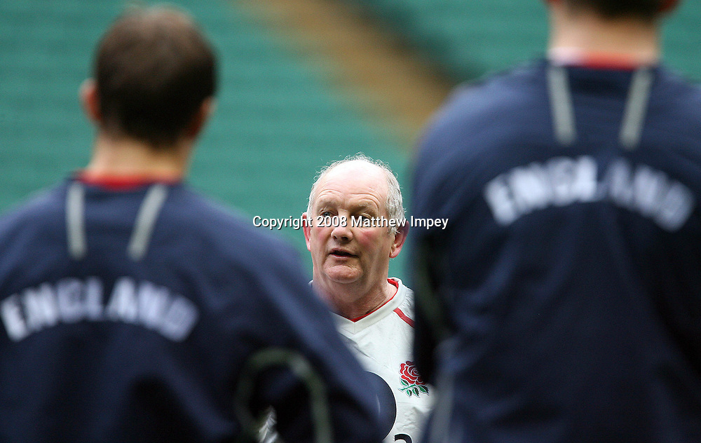 Brian Ashton the England coach. England Rugby Union Training, Twickenham, 21/01/2008. © Matthew Impey / Wiredphotos.co.uk. tel: 07789 130 347 e: matt@wiredphotos.co.uk