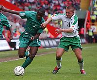 Fotball<br /> Photo: Daniel Hambury, Digitalsport<br /> NORWAY ONLY<br /> <br /> 29.05.2004<br /> Irland V Nigeria<br /> <br /> Ireland's Stephen McPhail and Nigeria's John Utaka