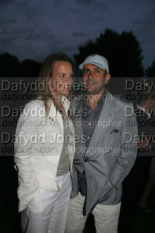 Georgie Byng and Marc Quin, QUINTESSENTIALLY AND ELEPHANT FAMILY TRUNK SHOW PARTY. SERPENTINE PAVILION, HYDE PARK. 16 SEPTEMBER 2007. -DO NOT ARCHIVE-© Copyright Photograph by Dafydd Jones. 248 Clapham Rd. London SW9 0PZ. Tel 0207 820 0771. www.dafjones.com.