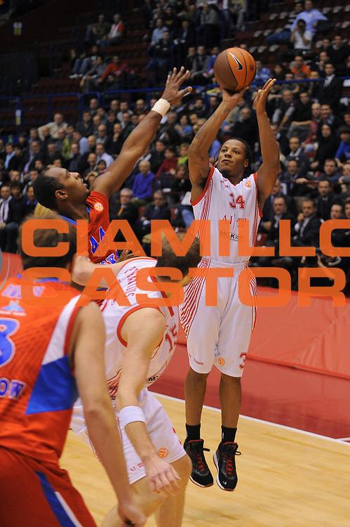 DESCRIZIONE : Milano Eurolega 2010-11 Armani Jeans Milano CSKA Mosca<br />GIOCATORE : David Hawkins<br />SQUADRA : Armani Jeans Milano <br />EVENTO : Eurolega 2010-2011<br />GARA :  Armani Jeans Milano CSKA Mosca<br />DATA : 24/11/2010<br />CATEGORIA : Tiro<br />SPORT : Pallacanestro <br />AUTORE : Agenzia Ciamillo-Castoria/A.Dealberto<br />Galleria : Eurolega 2010-2011<br />Fotonotizia : Milano Eurolega Euroleague 2010-11 Armani Jeans Milano CSKA Mosca<br />Predefinita :