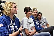 LUCCA 20 NOVEMBRE  2015<br /> BASKET NAZIONALE FEMMINILE<br /> MISS ITALIA ALICE SABATINI IN VISITA AL RITIRO DELLA NAZIONALE<br /> NELLA FOTO: Alice Sabatini Alessandra Formica Maddalena Gaia Gorini<br /> FOTO CIAMILLO