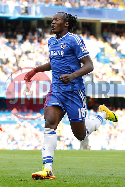 Chelsea's Romelu Lukaku running  - Photo mandatory by-line: Mitchell Gunn/JMP - Tel: Mobile: 07966 386802 18/08/2013 - SPORT - FOOTBALL - Stamford Bridge - London -  Chelsea v Hull City - Barclays Premier League