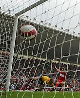 Photo: Andrew Unwin.<br />Middlesbrough v Everton. The Barclays Premiership. 14/10/2006.<br />Middlesbrough's Mark Viduka (R) celebrates scoring his team's second goal.