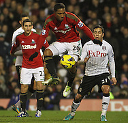 Picture by David Horn/Focus Images Ltd +44 7545 970036.29/12/2012.Jonathan de Guzman of Swansea City during the Barclays Premier League match at Craven Cottage, London.