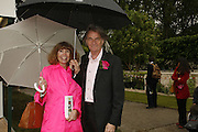 SIR PAUL AND LADY SMITH, Press Preview of the RHS Chelsea Flower Show sponsored by Saga Insurance Services. Royal Hospital Rd. London. 22 May 2006. ONE TIME USE ONLY - DO NOT ARCHIVE  © Copyright Photograph by Dafydd Jones 66 Stockwell Park Rd. London SW9 0DA Tel 020 7733 0108 www.dafjones.com