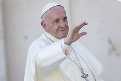September 21, 2016 - Vatican City, Vatican - Pope Francis greets the faithful as he leaves at the end of his Weekly General Audience in St. Peter's Square in Vatican City, Vatican. (Credit Image: © Giuseppe Ciccia/Pacific Press via ZUMA Wire)