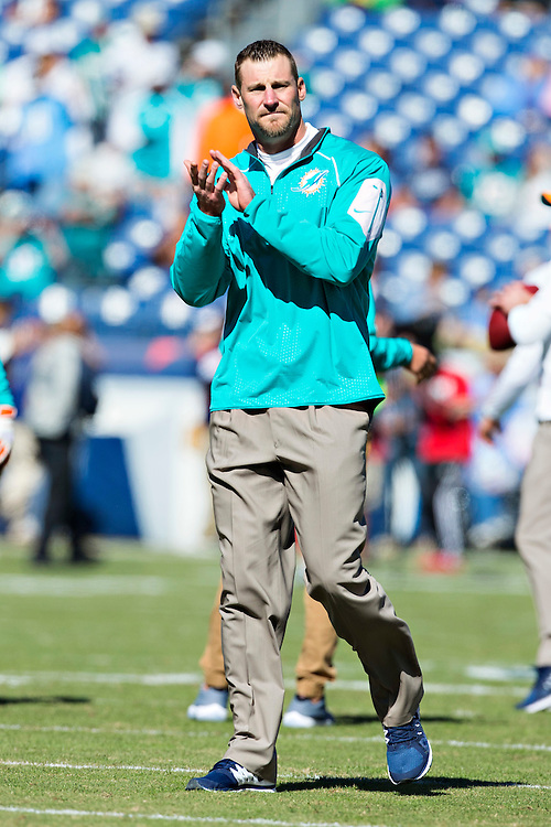 NASHVILLE, TN - OCTOBER 18:  Head Coach Dan Campbell of the Miami Dolphins watches his team warm up before a game against the Tennessee Titans at LP Field on October 18, 2015 in Nashville, Tennessee.  The Dolphins defeated the Titans 38-10.  (Photo by Wesley Hitt/Getty Images) *** Local Caption *** Dan Campbell