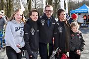 De vierde editie van De Hollandse 100 in Thialf, Heerenveen. De Hollandse 100 is een initiatief van stichting Lymph&amp;Co. Stichting Lymph&amp;Co steunt grensverleggend onderzoek om de behandeling van lymfklierkanker te verbeteren<br /> <br /> Op de foto:  Prins Bernhard met Prinses Annette en hun kinderen Isabella , Samuel / Sam en Benjamin