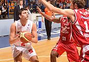 DESCRIZIONE : Desio campionato serie A 2013/14 EA7 Olimpia Milano Giorgio Tesi Group Piastoia <br /> GIOCATORE : Alessandro Gentile<br /> CATEGORIA : passaggio<br /> SQUADRA : EA7 Olimpia Milano<br /> EVENTO : Campionato serie A 2013/14<br /> GARA : EA7 Olimpia Milano Giorgio Tesi Group Piastoia<br /> DATA : 04/11/2013<br /> SPORT : Pallacanestro <br /> AUTORE : Agenzia Ciamillo-Castoria/R. Morgano<br /> Galleria : Lega Basket A 2013-2014  <br /> Fotonotizia : Desio campionato serie A 2013/14 EA7 Olimpia Milano Giorgio Tesi Group Piastoia<br /> Predefinita :