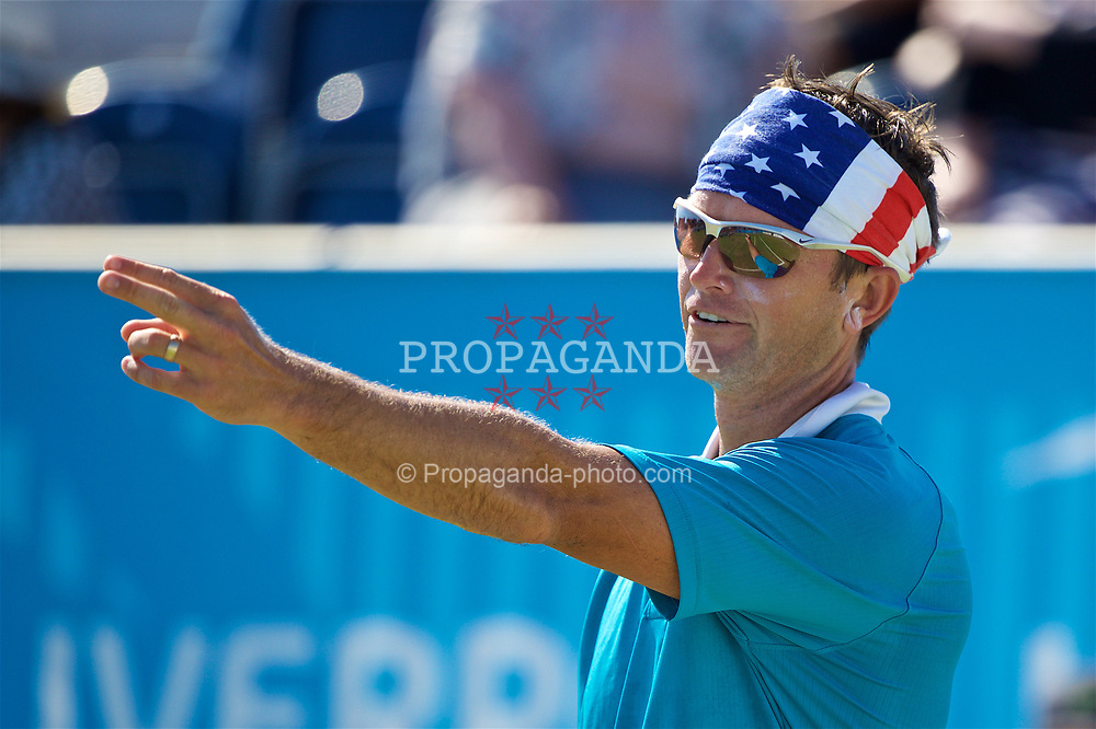 LIVERPOOL, ENGLAND - Saturday, June 17, 2017: Robert Kendrick (USA) wearing a USA flag headscarf during Day Three of the Liverpool Hope University International Tennis Tournament 2017 at the Liverpool Cricket Club. (Pic by David Rawcliffe/Propaganda)