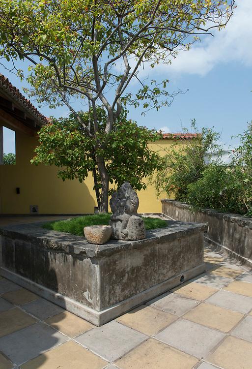 Ranatunga House. Nawala.<br /> Architect: C Anjalendran