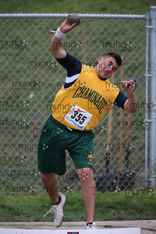 Gabriel Pallotta of Chaminade College - Toronto competes in the midget boys shot put at the 2013 OFSAA Track and Field Championship in Oshawa Ontario, Thursday,  June 6, 2013.<br /> Mundo Sport Images / Sean Burges