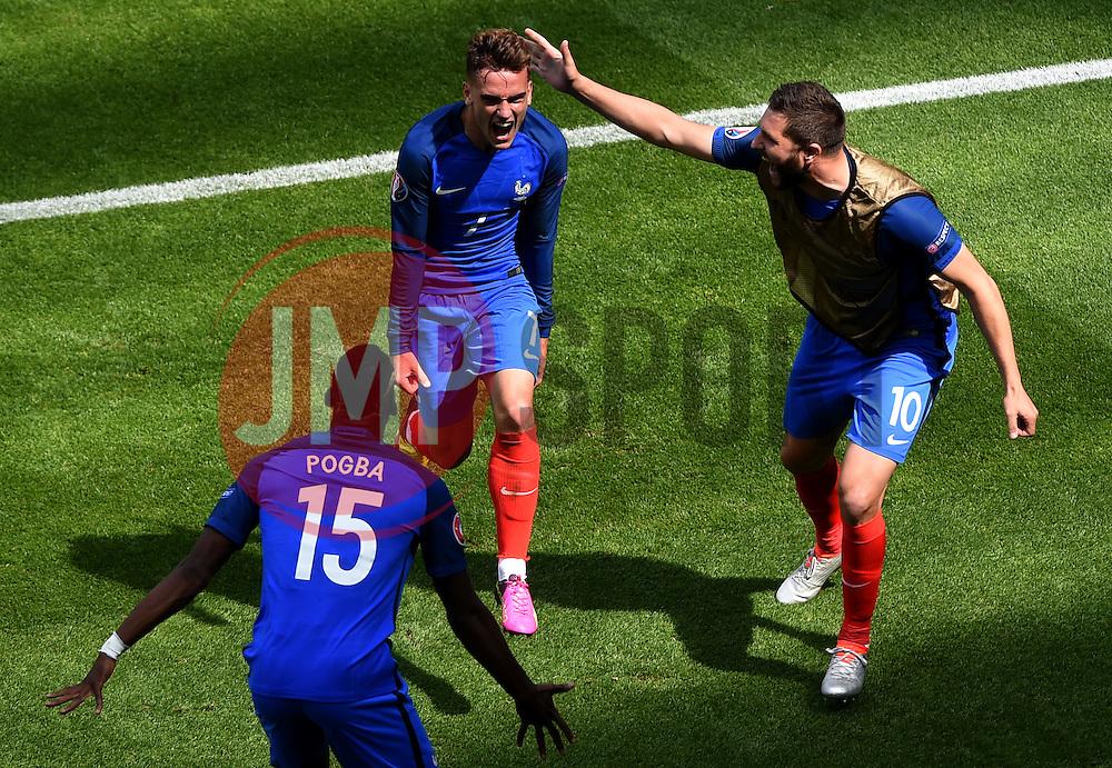 Antoine Griezmann of France celebrates his first goal of the game - Mandatory by-line: Joe Meredith/JMP - 26/06/2016 - FOOTBALL - Stade de Lyon - Lyon, France - France v Republic of Ireland - UEFA European Championship Round of 16