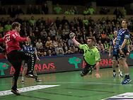 HÅNDBOLD: Flyvende Knud Ronau (Nordsjælland) under kampen i 888-Ligaen mellem Nordsjælland Håndbold og TTH Holstebro den 28. marts 2018 i Helsingør Hallen. Foto: Claus Birch.