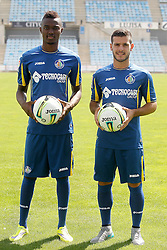 05.08.2015, Coliseum Alfonso Perez, Getafe, ESP, Primera Division, FC Getafe, Spielerpräsentation, im Bild Getafe's new players Bernard Mensah (l) and Victor Rodriguez during their official presentation // during Official Player Presentation of Spanish Primera Division club Getafe cf at the Coliseum Alfonso Perez in Getafe, Spain on 2015/08/05. EXPA Pictures © 2015, PhotoCredit: EXPA/ Alterphotos/ Acero<br /> <br /> *****ATTENTION - OUT of ESP, SUI*****