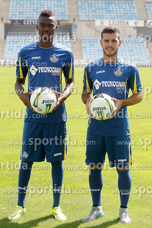 05.08.2015, Coliseum Alfonso Perez, Getafe, ESP, Primera Division, FC Getafe, Spielerpr&auml;sentation, im Bild Getafe's new players Bernard Mensah (l) and Victor Rodriguez during their official presentation // during Official Player Presentation of Spanish Primera Division club Getafe cf at the Coliseum Alfonso Perez in Getafe, Spain on 2015/08/05. EXPA Pictures &copy; 2015, PhotoCredit: EXPA/ Alterphotos/ Acero<br /> <br /> *****ATTENTION - OUT of ESP, SUI*****