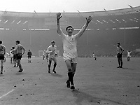 Fotball<br /> England<br /> Foto: Colorsport/Digitalsport<br /> NORWAY ONLY<br /> <br /> Jeff Astle (West Bromwich Albion) celebrates his winning goal. West Bromwich Albion v Everton. 18/5/68 FA Cup Final 1968 @ Wembley.