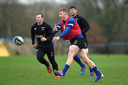 Ollie Fox in action - Mandatory byline: Patrick Khachfe/JMP - 07966 386802 - 16/01/2020 - RUGBY UNION - Farleigh House - Bath, England - Bath Rugby Training Session