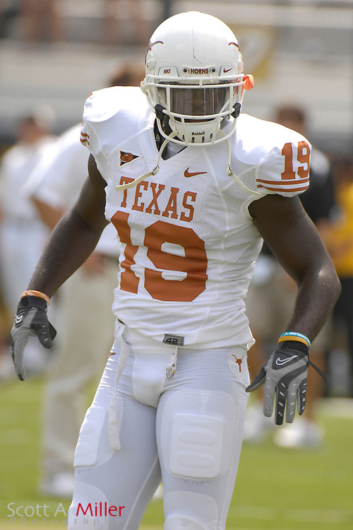 Sept. 15, 2007; Orlando, FL, USA; Texas Longhorns defender (19) Ishie Oduegwu during his team's game against the Central Florida Knights at Bright House Stadium. Texas won the game 35-32...©2007 Scott A. Miller