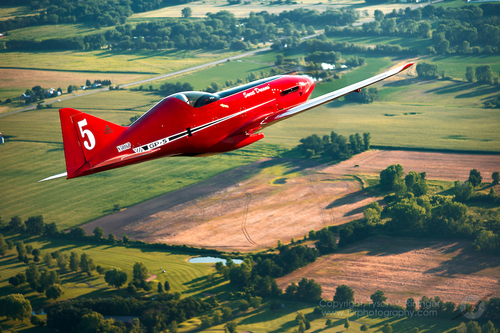 Lee Behel pilots the one-off George Pereira-designed GP-5