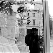 SELF PORTRAITS / AUTORRETRATOS.Photography by Aaron Sosa.Paris - France 2008.(Copyright © Aaron Sosa)