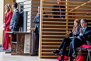 NEW YORK - Koningin Maxima met rechts bill gates spreekt tijdens Goalkeepers. Maxima is in New York in haar hoedanigheid van speciale pleitbezorger van de secretaris-generaal van de Verenigde Naties voor de jaarlijkse Algemene Vergadering van de Verenigde Naties. ANP ROYAL IMAGES ROBIN UTRECHT **NETHERLANDS ONLY**