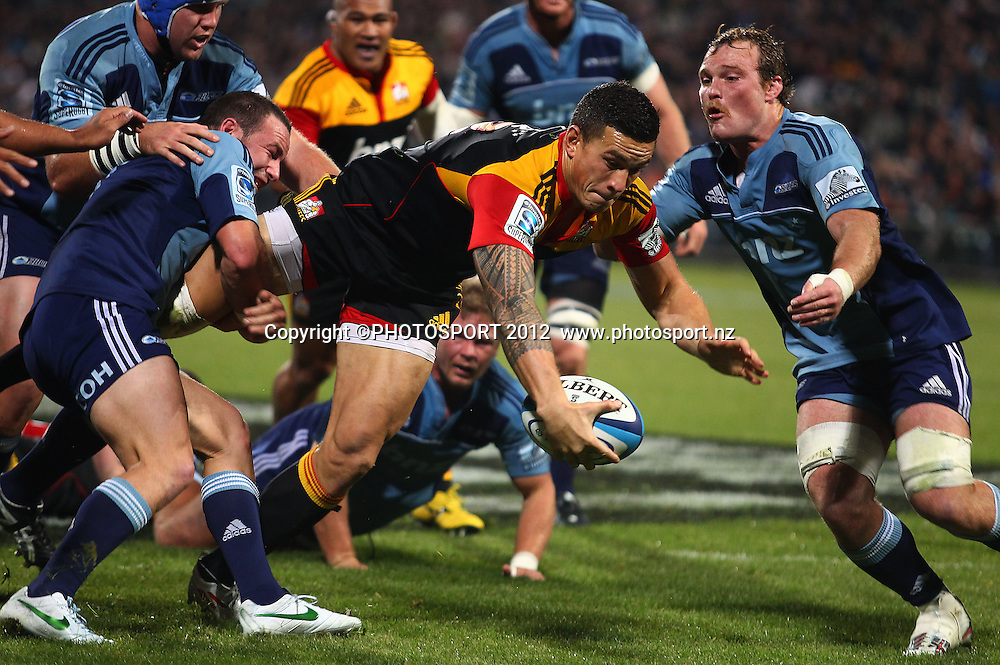 Sonny Bill Williams of the Chiefs scores a try during the Super Rugby game between The Blues and The Chiefs, North Harbour Stadium, Auckland, New Zealand, Saturday June 2nd 2012. Photo: Simon Watts / photosport.co.nz
