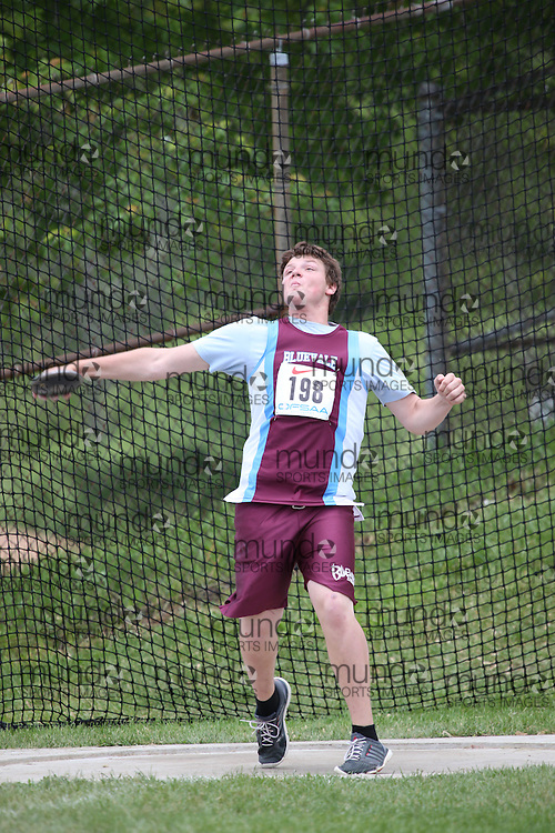 Ben Drummond of Bluevale CI - Waterloo competes in the midget boys discus at the 2013 OFSAA Track and Field Championship in Oshawa Ontario, Thursday,  June 6, 2013.<br /> Mundo Sport Images / Sean Burges