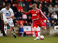 Photo: Richard Lane/Richard Lane Photography. Swindon Town v Norwich City. Coca-Cola Football League One. 20/03/2010. Swindon's Danny Ward fires in a shot.