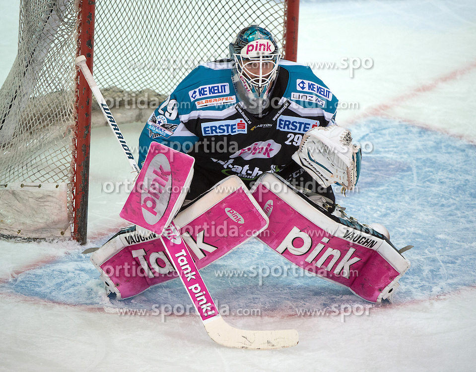 27.09.2015, Keine Sorgen Eisarena, Linz, AUT, EBEL, EHC Liwest Black Wings Linz vs Moser Medical Graz 99ers, 6. Runde, im Bild Michael Ouzas (EHC Liwest Black Wings Linz) // during the Erste Bank Icehockey League 6th round match between EHC Liwest Black Wings Linz and Moser Medical Graz 99ers at the Keine Sorgen Icearena, Linz, Austria on 2015/09/27. EXPA Pictures © 2015, PhotoCredit: EXPA/ Reinhard Eisenbauer