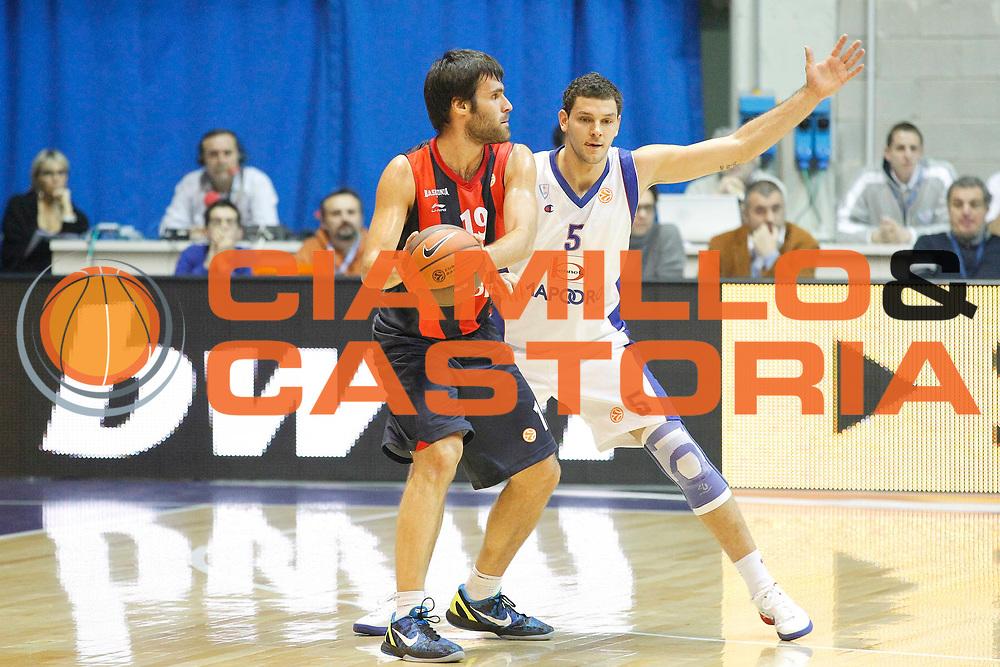 DESCRIZIONE : Desio Eurolega 2011-12 Bennet Cantu Caja Laboral<br /> GIOCATORE : Fernando San Emeterio<br /> CATEGORIA : Palleggio<br /> SQUADRA : Caja Laboral<br /> EVENTO : Eurolega 2011-2012<br /> GARA : Bennet Cantu Caja Laboral<br /> DATA : 01/12/2011<br /> SPORT : Pallacanestro <br /> AUTORE : Agenzia Ciamillo-Castoria/G.Cottini<br /> Galleria : Eurolega 2011-2012<br /> Fotonotizia : Desio Eurolega 2011-12 Bennet Cantu Caja Laboral<br /> Predefinita :