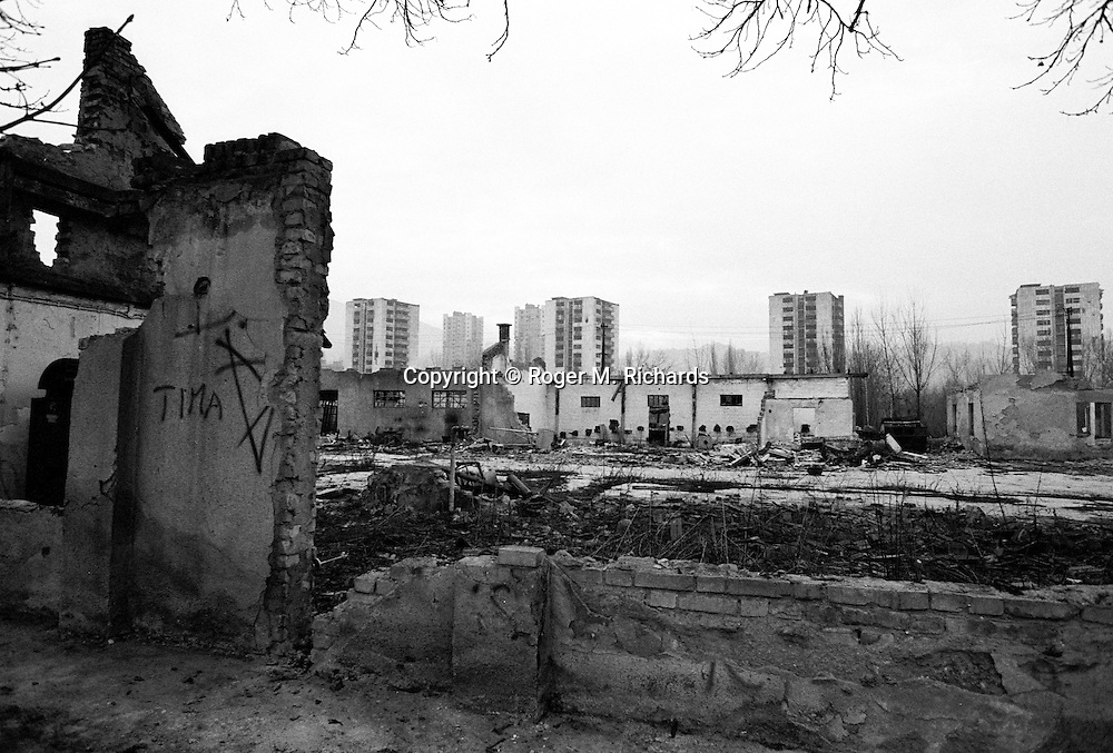 A section of the frontline looking toward the Serb-held suburb of Grbavica during the final days of the siege of the city, Sarajevo, Bosnia and Herzegovina, January 1996. PHOTO BY ROGER RICHARDS