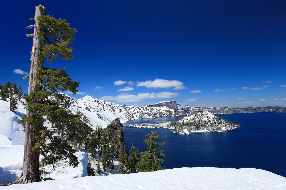 Wizard Island Discovery Point Overlook - Crater Lake