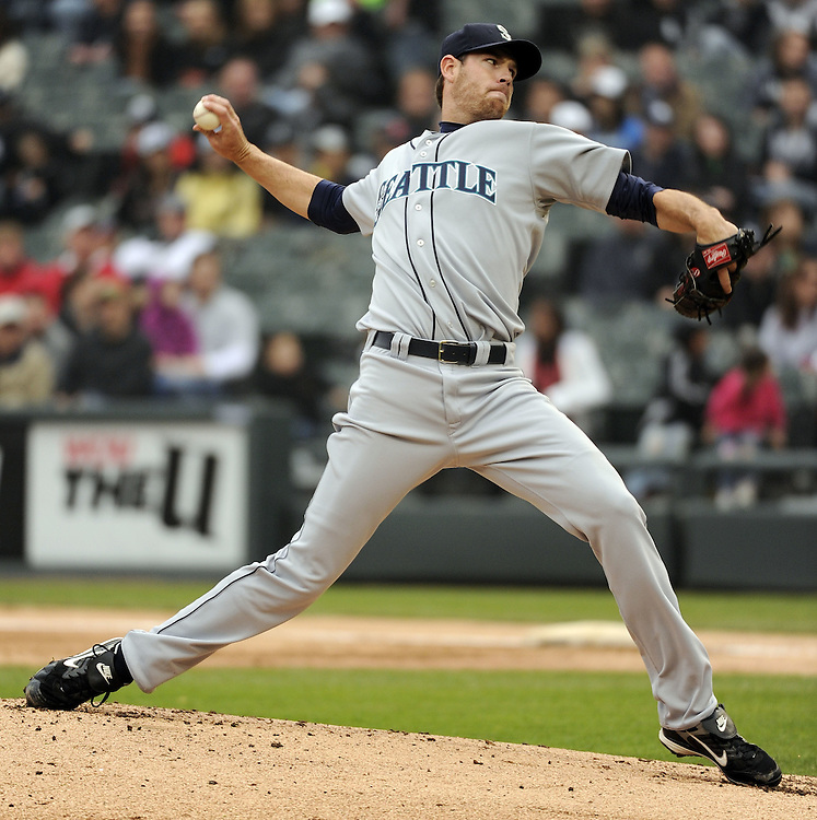 CHICAGO - APRIL 24:  Doug Fister #58 of the Seattle Mariners pitches against the Chicago White Sox on April 24, 2010 at U.S. Cellular Field in Chicago, Illinois.  The White Sox defeated the Mariners 5-4.  (Photo by Ron Vesely)