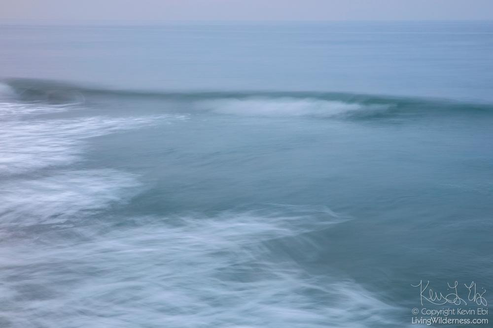 Pacific Ocean Waves in Fog, Venice Beach, California ... Pacific Ocean Waves