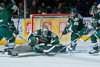 KELOWNA, CANADA - JANUARY 22: Austin Lotz #30 of the Everett Silvertips makes a save against the Kelowna Rockets on January 22, 2014 at Prospera Place in Kelowna, British Columbia, Canada.   (Photo by Marissa Baecker/Getty Images)  *** Local Caption *** Austin Lotz;